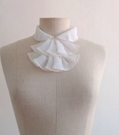 collar different Colar Diy, Different, Ruffle Blouse, Life, Women, Fashion, Moda, Fashion Styles, Fashion Illustrations
