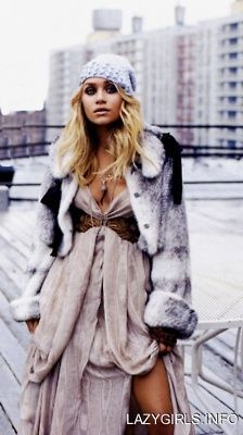 Love the dress, but I don't do real fur! ashley olsen, looking fantastic