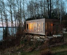 Architecture-Design-of-Sunset-Cabin-by-Taylor-Smyth-Architects-Canada