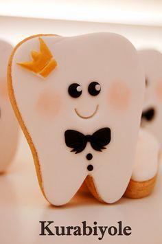 King teeth.. - by Kurabiyole @ CakesDecor.com - cake decorating website