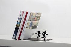 Internet das Coisas!!!: Runaway Bookend - Falling Books on a Running