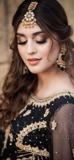 Pakistani Bridal Hairstyles, Asian Wedding Dress Pakistani, Pakistani Bridal Makeup, Beautiful Pakistani Dresses, Bridal Makeup Videos, Bridal Makeup Looks, Korean Makeup Look, Asian Eye Makeup, Stylish Girls Photos