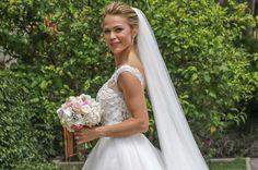 La novia eligió para la ocasión un vestido de Pronovias de la colección Atelier 2017 elaborado en tul ychantilly