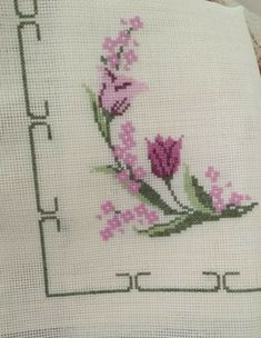 Christmas Embroidery Patterns, Embroidery Flowers Pattern, Embroidery Works, Embroidery Patterns Free, Hardanger Embroidery, Cross Stitch Embroidery, Ribbon Embroidery, Cross Stitch House, Cross Stitch Bird