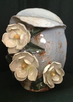 Magnolia vase in blue