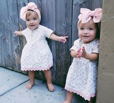 taytum and oakley Cute Baby Twins, Twin Baby Girls, Baby Kids, Cute Outfits For Kids, Toddler Outfits, Girl Outfits, Beautiful Children, Beautiful Babies, Tatum And Oakley