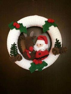 Santa and Rudolph Crochet Wreath by Mpleximo on Etsy häkeln Kranz Items similar to Santa and Rudolph Crochet Wreath on Etsy Crochet Christmas Wreath, Crochet Wreath, Crochet Christmas Decorations, Christmas Crochet Patterns, Holiday Crochet, Christmas Knitting, Holiday Wreaths, Xmas Decorations, Crochet Flowers
