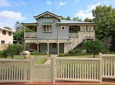 Weatherboard queenslander house exterior with sash windows window awnings - House Facade photo 410975 Australian Architecture, Australian Homes, Beautiful Architecture, Colonial Architecture, Window Awnings, Sash Windows, Facade Design, House Design, Queenslander House