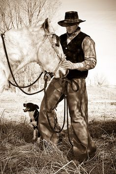 Cowboy with his horse and dog Cowboy Horse, Cowboy Up, Cowboy And Cowgirl, Real Cowboys, Cowboys And Indians, Rodeo Cowboys, Western Photo, Western Art, Western Style