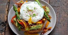 Somehow, avocado toast just got even better! #breakfast #healthy #recipes http://greatist.com/eat/healthy-breakfast-recipes-with-vegetables