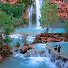 Gear up for an adventurous trip with Austin Adventures Arizona vacations & tours. Hike, bike, & raft your way through the natural wonders of Arizona. Havasu Falls Hike, Havasupai Falls, Road Trip Usa, Dream Vacations, Vacation Spots, Vacation Rentals, The Places Youll Go, Places To See, Places To Travel