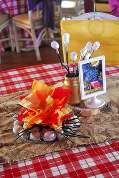 Nicco's Camping Themed Party – Table centerpiece - Modernes Adult Camping Party, Camping Parties, Camping Party Decorations, Birthday Table Decorations, Summer Camp Themes, Birthday Party Centerpieces, Camping Table, Party Themes, Party Ideas