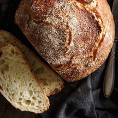 This recipe for homemade white bread is easier to make than you may think. One bowl, no fuss! Best Bread Recipe, Quick Bread Recipes, Oven Recipes, Baking Recipes, Recipies, Cooking Bread, Bread Baking, Homemade White Bread, Confort Food