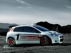 2007 Abarth Grande Punto S 2000 - Side - 1920x1440 - Wallpaper