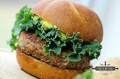 Beef-Quinoa burger  #recipe #foodblog #foodblogger #nomnomnom #foodporn #fitness #protein #thisismytake #recipes #quinoa #burger #hamburger #kale #veggies