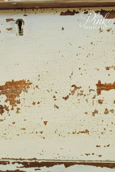 Chippy Linen Milk Paint