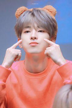 Mingyu Seventeen, Seventeen Debut, Seventeen Memes, Woozi, Jeonghan, Rapper, Hip Hop, Adore U, Seventeen Wallpapers