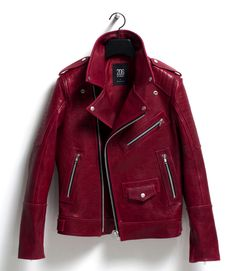 leather jacket outfit Garnet Colored Leather Jacket<< What? This is know as 'The Emma Swan Jacket'! Cool Outfits, Fashion Outfits, Womens Fashion, Coloured Leather Jacket, Red Leather Jackets, Looks Black, Pulls, Mantel, Ideias Fashion