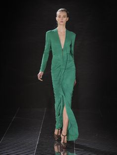 Roland Mouret winter 2011- love ths silhoutte, the detail on the front, and the color