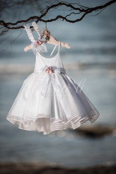 Girls Dresses, Flower Girl Dresses, To My Daughter, Kids Fashion, Girl Outfits, Wedding Dresses, Inspiration, Clothes, Beautiful