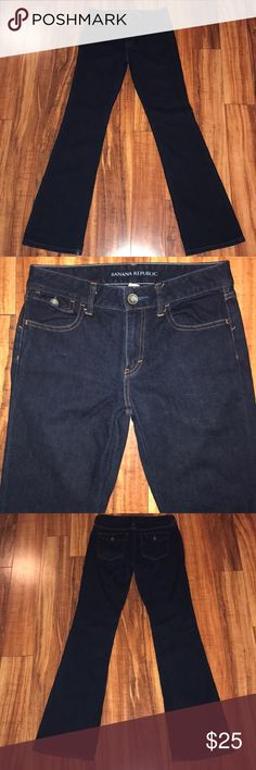 """Banana Republic 33.5"""" Tall  jeans size 26 boot cut Banana Republic  Size 26 Style is boot Dark denim 89% cotton 11% esterell-P Great condition except the bottom of the jeans have wear, see pictures  Waist measures 28.5"""" Rise is 9"""" Inseam is 33.5"""" long Banana Republic Jeans Boot Cut"""