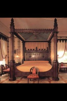Castle Victorian Bed Design Ideas For Gothic Room Antique Bedroom Furniture, Victorian Furniture, Home Furniture, Furniture Design, Antique Beds, Gothic Room, Victorian Bedroom, Bedroom Sets, Dream Bedroom