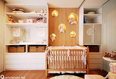 quarto dfe bebê com nicho redondo e iluminado