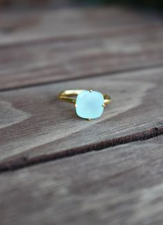 I love this simple ring...the color is amazing!