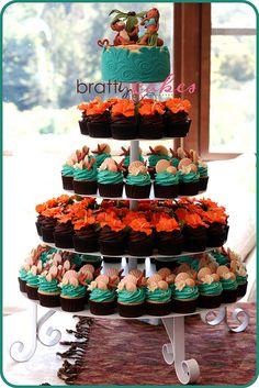 Monkey & Hula Girl Wedding Tower by Natty-Cakes (Natalie), via Flickr