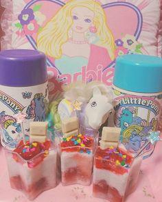 🍓🐮🍓🐮🍓🐮🍓🐮🍓🐮🍓🐮🍓🐮🍓🐮🍓 ♡strawberry marshmallow pudding♡ いちごマシュマロとミルクで作った簡単プリン🍓🍮にイチゴソースと、こないだのシンプソンズのチョコをトッピング😋👏 このチョコはバブルガムチップが入ってるから匂いも味も大好き~💘😍✨ 甘いの食べて今日も頑張ろうね~✊(*^▽^*)✊ #strawberrymarshmallowpudding#strawberrymarshmallow#starpuddings #mlpg1 #vintagetoy#vintagethermos#barbie#いちごプリン#fancytoy#marchen#sweets#マイリトルポニー#mylittlepony