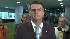 Bolsonaro agride verbalmente repórter.