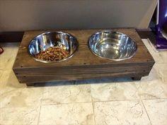 Recycled #Pallet #Dog Bowl Holder | Pallet Furniture