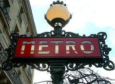 paris metro sign | photo