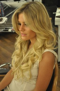 ♥ Long Shiny Curls Wedding Hair | I wish my hair looked this good all the time