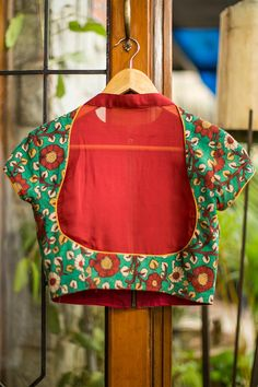 Buy Designer Blouses online, Custom Design Blouses, Ready Made Blouses, Saree Blouse patterns at our online shop House of Blouse from India. Saree Blouse Neck Designs, Choli Designs, Saree Blouse Patterns, Designer Blouses Online, House Of Blouse, Modern Saree, Indian Blouse, Blouse Models, Green Saree