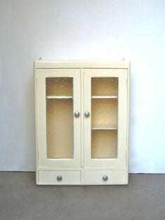 Pharmacie années 50 - meubs #meuble #vintage