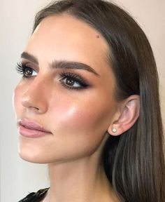 6535 Likes 67 Comments - Nikki_Makeup (@nikki_makeup) on Instagram: Congratulations to flawless @annamariaburdzy - the new Miss Universe It was a pleasure to meet