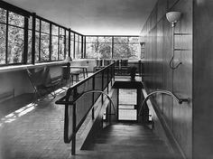 Argentinian architect Amancio Williams : House for his father, musician and composer Alberto Williams Arch Architecture, Contemporary Architecture, Modern Contemporary, Walter Gropius, Amancio Williams, Concrete Building, Interior Stairs, Bauhaus, Midcentury Modern