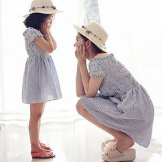 HE Hello Enjoy mother daughter dresses 2017 Family Matching Outfits striped dress family clothing mother and daughter clothes Mom And Baby Outfits, Matching Family Outfits, Kids Outfits, Matching Clothes, Mother Daughter Dresses Matching, Mother Daughter Outfits, Mama Baby, Mode Lolita, Blue Shirt Dress