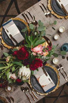 tischdeko herbst mit schönen herbstblumen