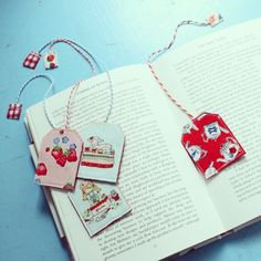 Tea Time Bookmark - Cottage Industry Shop- haven't looked this up but gave me an idea for kids to do to give a bookmark that is a tea bag covered with paper Craft Projects, Sewing Projects, Diy Gifts, Handmade Gifts, Stitch Shop, Diy Bookmarks, Book Markers, Fabric Scraps, Scrap Fabric