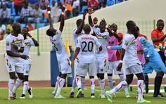 ΦλόγαSport: Η μπίλια έκατσε στην Γουινέα Soccer, Sports, Hs Sports, Futbol, European Football, European Soccer, Football, Sport, Soccer Ball