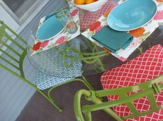 I love this green color with the colorful cushions. Would be perfect for my wrought iron patio furniture.just need to find the right cushions. Iron Furniture, Garden Furniture, Furniture Design, Furniture Ideas, Outdoor Furniture, Teal Cushions, Colourful Cushions, Kitchen Dinette Sets, Accent Chairs For Sale