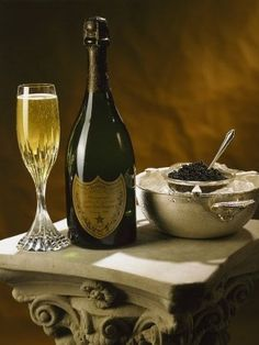 Don Perignon & Caviar. Don Perignon, Flute Champagne, Champagne Party, Wine Cheese, In Vino Veritas, Sparkling Wine, Wine And Spirits, Antipasto, Fine Dining