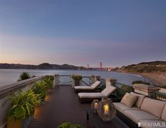 I could stand looking at this daily! Absolutely 1-of-a-kind, this incredible home is perched on the cliffs overlooking the Pacific Ocean. San Francisco, CA