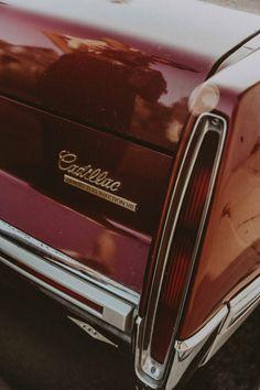 Sara of Vintage Collage wears a Joseph skirt and a vintage Gucci t-shirt - Cars Auto Retro, Retro Cars, Vintage Cars, Vintage Rock, Vintage Collage, Gucci Tshirt, Photowall Ideas, Car Travel, Vintage Gucci