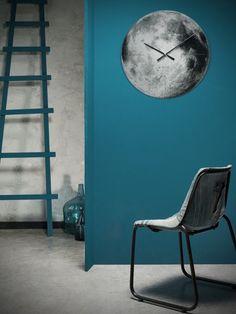 couleur de peinture murale sarcelle et horloge murale pleine lune