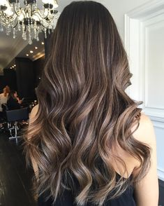 17 Stunning Examples of Balayage Dark Hair Color - Style My Hairs Hair Color 2018, Ombre Hair Color, Hair 2018, Brunette Hair Colors, Brown Hair Shades, Ombré Hair, Hair Studio, Hair Transformation, Balayage Hair