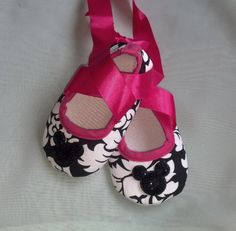 Hot Pink and Black Damask minnie mouse tie by KuddlesBabyKreations, $9.99
