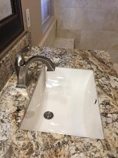 Delta Dryden Single Hole Single-Handle Bathroom Faucet with Metal Drain Assembly in SpotShield Stainless at The Home Depot - Mobile Rectangular Sink Bathroom, Bathroom Sink Tops, Undermount Bathroom Sinks, Bathroom Faucets, Bathroom Sink Organization, Amazing Bathrooms, Bathroom Sink Design, Bathroom Design, Sink